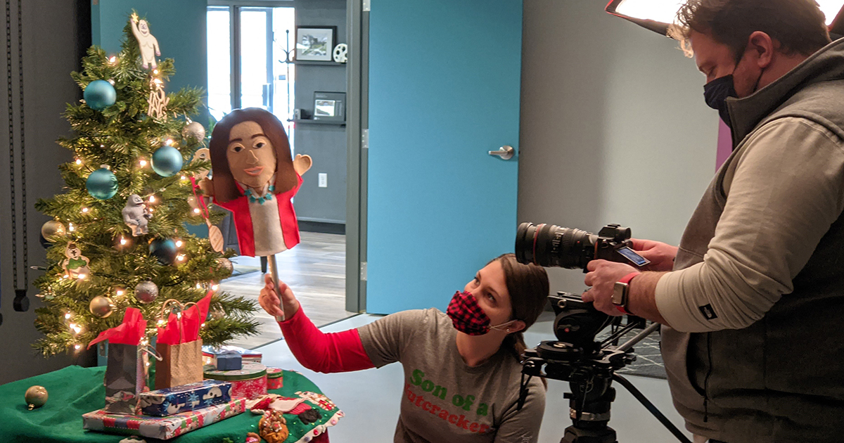 yeti-team-uses-puppets-to-create-holiday-scene